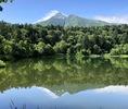 利尻岳と湖.jpg